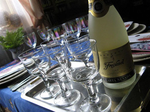 szampan na parapetówce