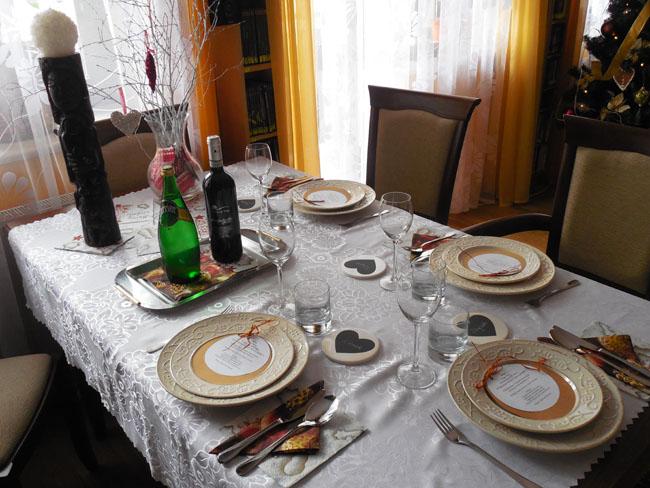 stół na przyjęciu