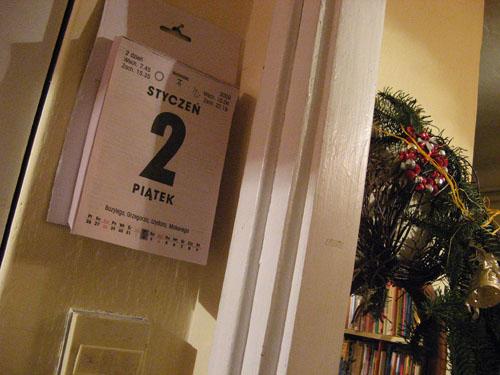 zrywane kartki kalendarza