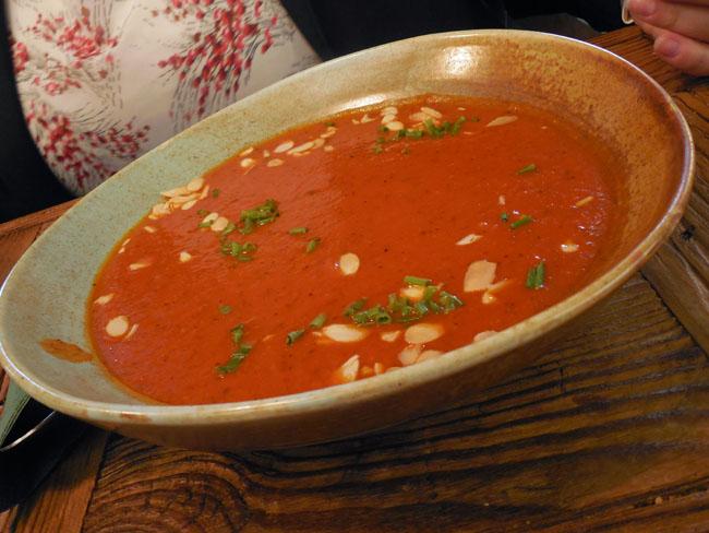 pomidorowa_w_sofie
